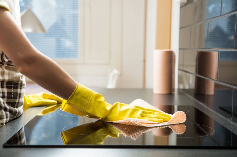 Easy Ways to Clean Your Stove and Cooktop | Milwaukee House Cleaning Services